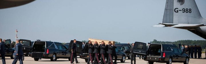 O czym należy pamiętać zlecając transport zmarłych?
